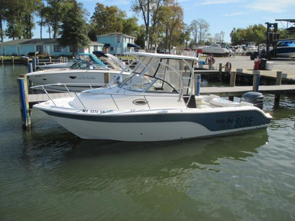 Sea Fox 236 Walkaround Port Bow
