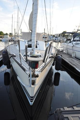 X-Yachts X-442 Bow On