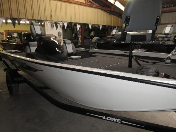 Lowe ST 195