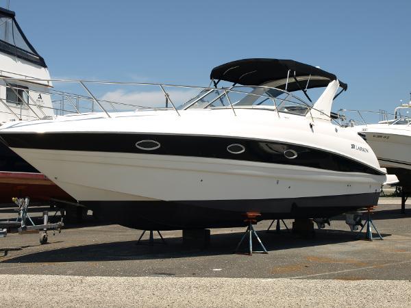 Larson Cruiser 330 CABRIO July 18   2017