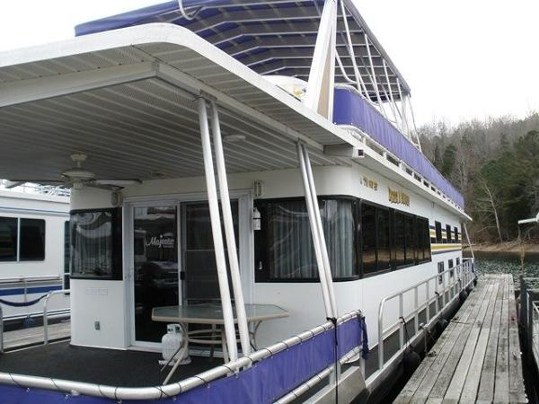 Majestic 16 x 80 Houseboat
