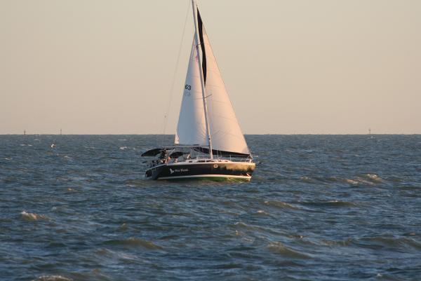 Catalina 350 Under sail