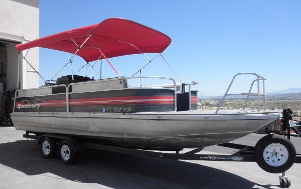 Spectrum 24' Modified Pontoon