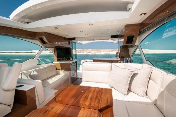 Cruisers Yachts 50 Cantius Salon