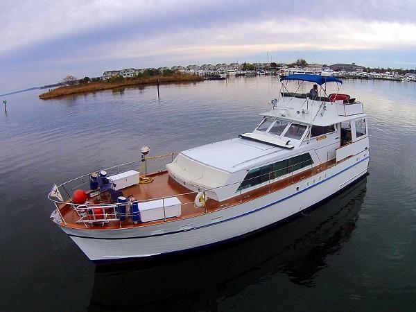 Matthews 53 Flush Deck Motor Yacht Matthews 53 Port Forward Profile