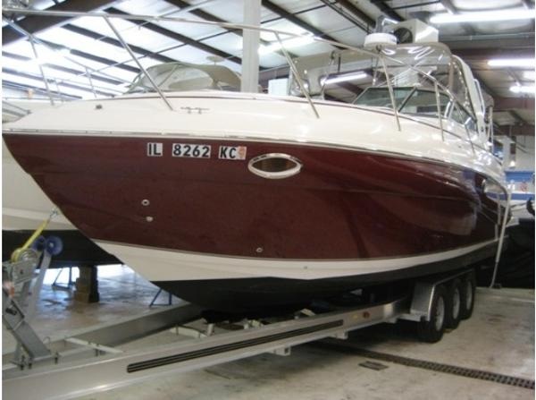 Rinker 320 Rinker Colored Hull