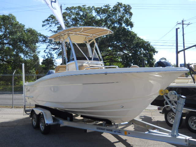 Scout Boat Company 215 XSF