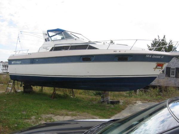 Cruisers 296 Avante Vee Photo 1