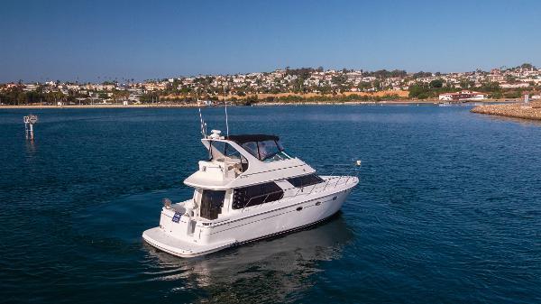 Carver 450 Voyager Pilothouse Starboard Beam Quarter