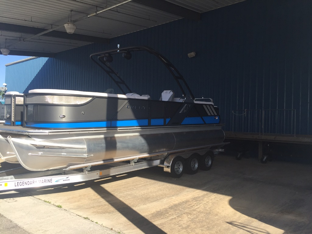Crest Pontoon Boats 250 SLC CALIBER