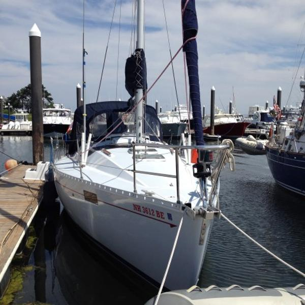 Beneteau 350 Dockside
