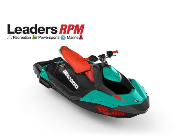 Sea-Doo SPARK® TRIXX™ 3-up Rotax 900 HO ACE Candy Blue