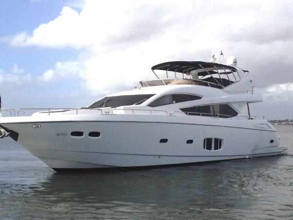 Sunseeker 80 Yacht Sunseeker 80 Yacht Exterior