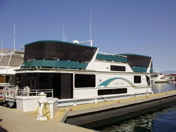Skipperliner Multi Owner Houseboat includes 4 weeks