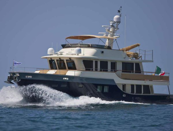 President 660 Expedition Yacht