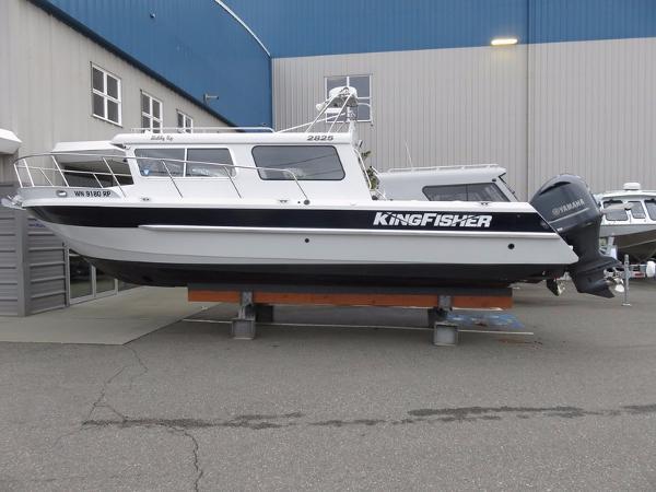 Kingfisher 2825 offshore Weekender