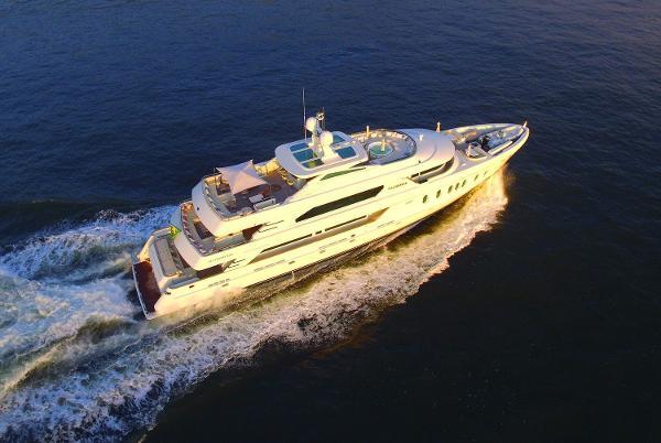 MCP Yachts 140