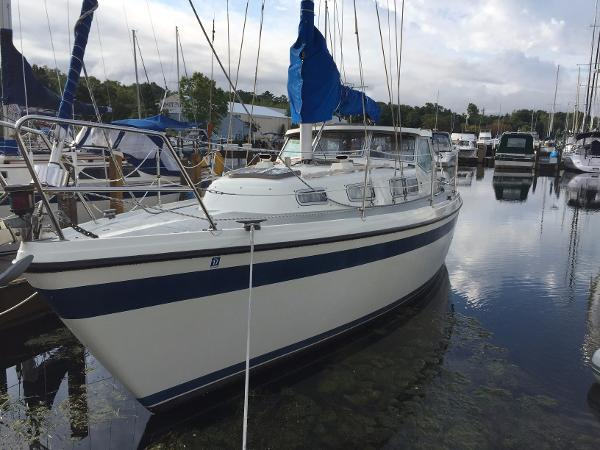 Lm 32 Pilothouse DOCKSIDE