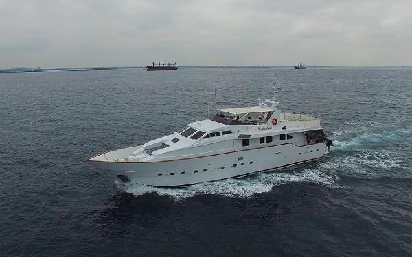 Azimut Motor Yacht Underway