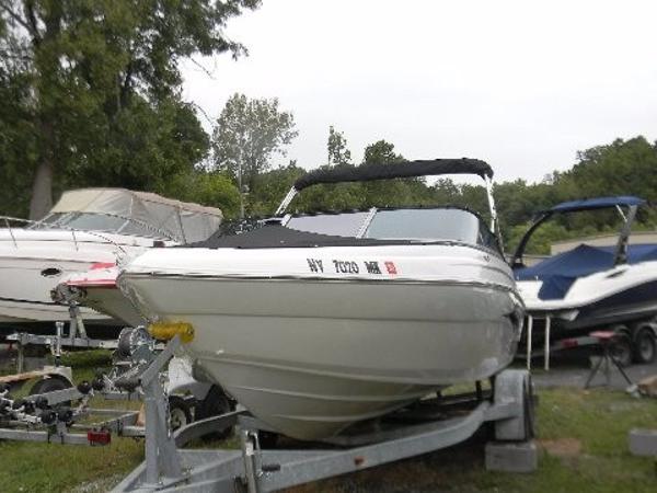 Caravelle Boats 24 EBi Bowrider