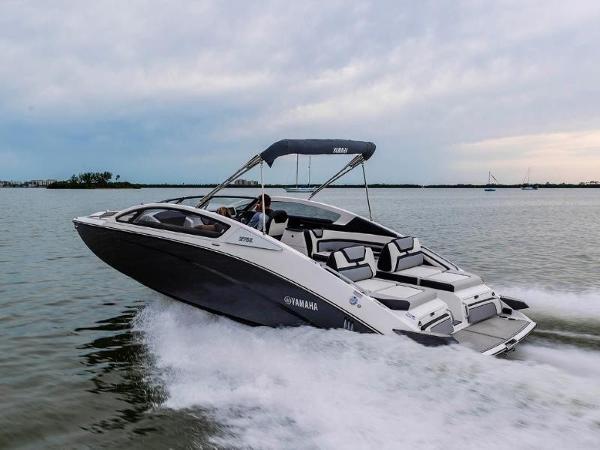Yamaha Boats 275E