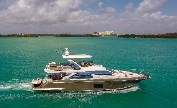 Azimut 66 FLY BRIDGE