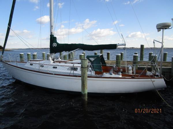 Hinckley 38 38' Hinckley port profile