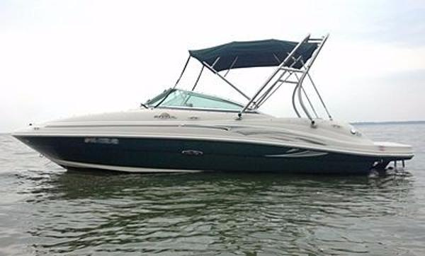 Sea Ray 200 Sundeck Stock Photo