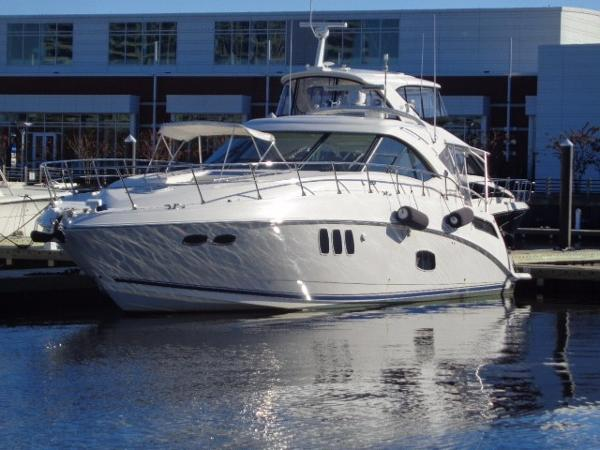 Sea Ray 540 Sundancer Forever Young at rest at her dock