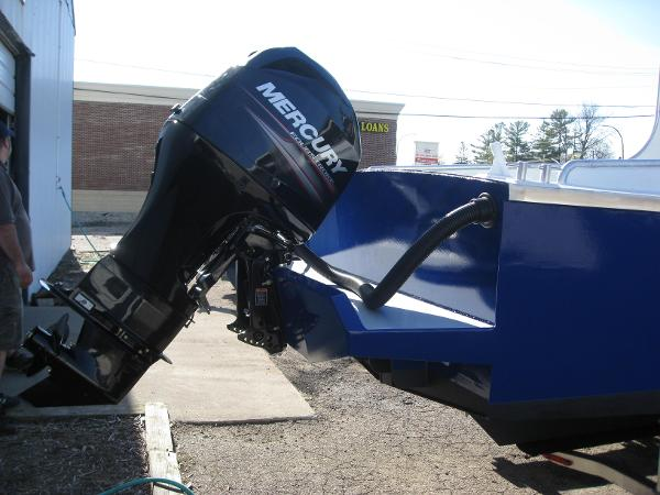 transom & outboard motor mount