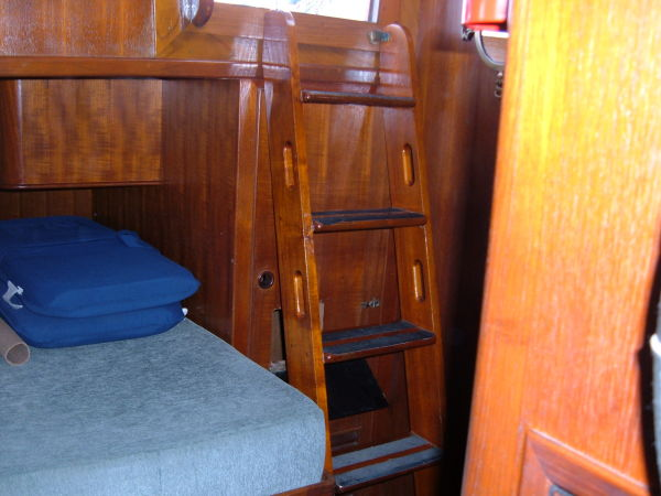 steps from cockpit to aft stateroom