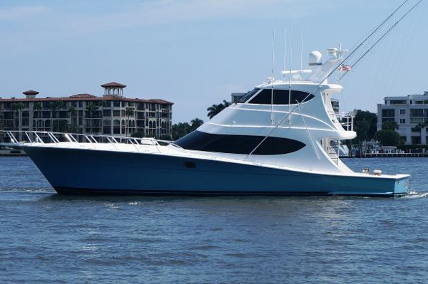 Hatteras Enclosed Bridge GT Profile