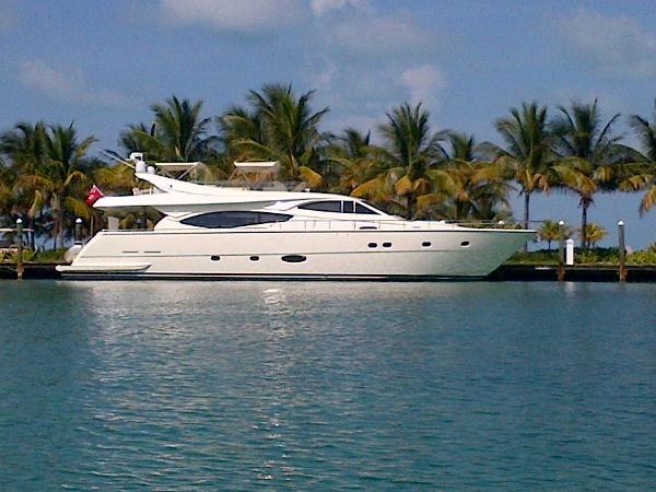 Ferretti Yachts 760 Starboard Profile