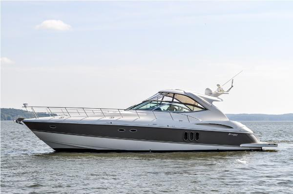 Cruisers Yachts 520 Express Port Profile
