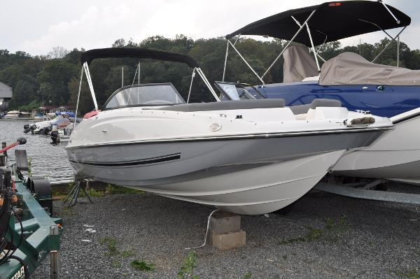 Bayliner 215 DB