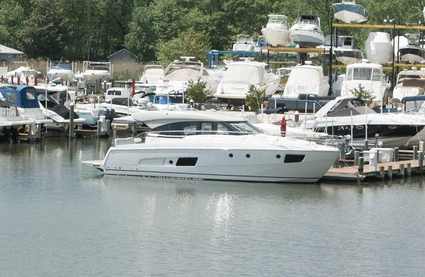 Bavaria Yachts USA 420 Virtess Coupe Starboard Side