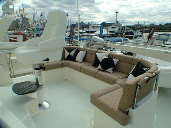 Northwest Trawlers 45 Flybridge Settee (option)