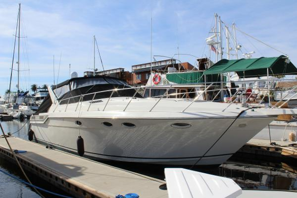 Wellcraft Portofino Starboard side
