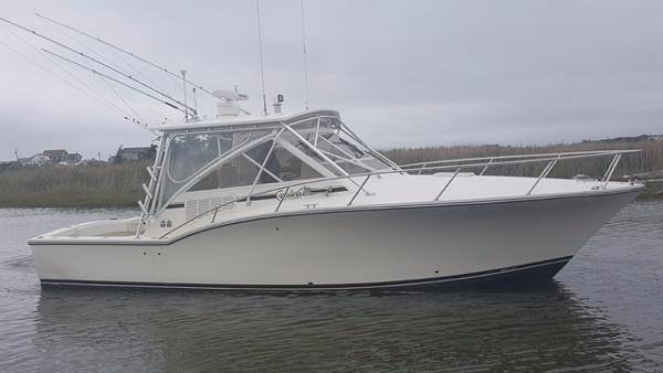 Carolina Classic 32 Profile