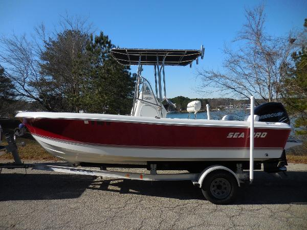 Sea Pro 196 Center Console