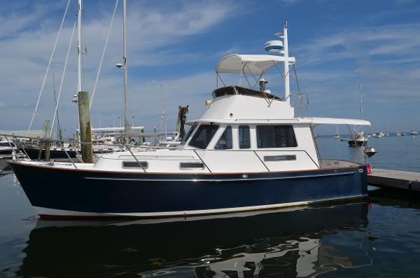 Legacy Boat 34 Flybridge Sedan Cruiser Alongside
