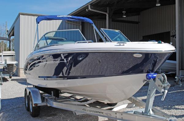 Chaparral H2O 21 SPORT 2015 Chaparral H20 21 Sport- hull view