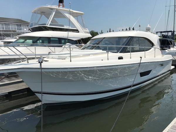 Riviera 3600 Sport Yacht Series II- IN STOCK! Riviera 3600 Sport Yacht