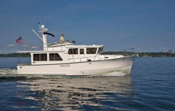 Helmsman Trawlers 43E PILOTHOUSE