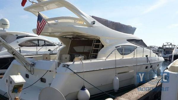Ferretti Yachts 460 2
