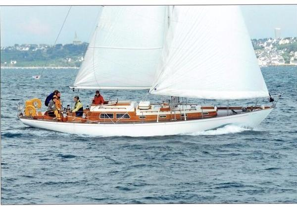 Holman 42 Classic Cruiser Racer Sloop