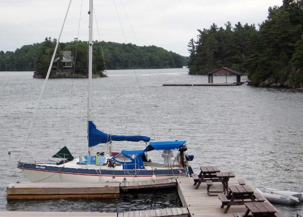 Canadian Sailcraft 27 Sloop In the 1000 Islands