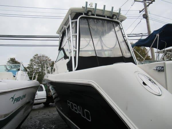 Robalo R265 Walkaround