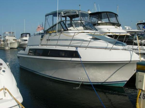 Carver Mariner 3297