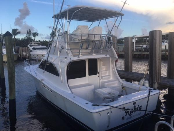 Luhrs Tournament 360 Convertible